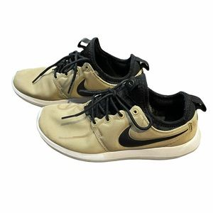 Black and nude Nike roshe 2 Shoes Size 7